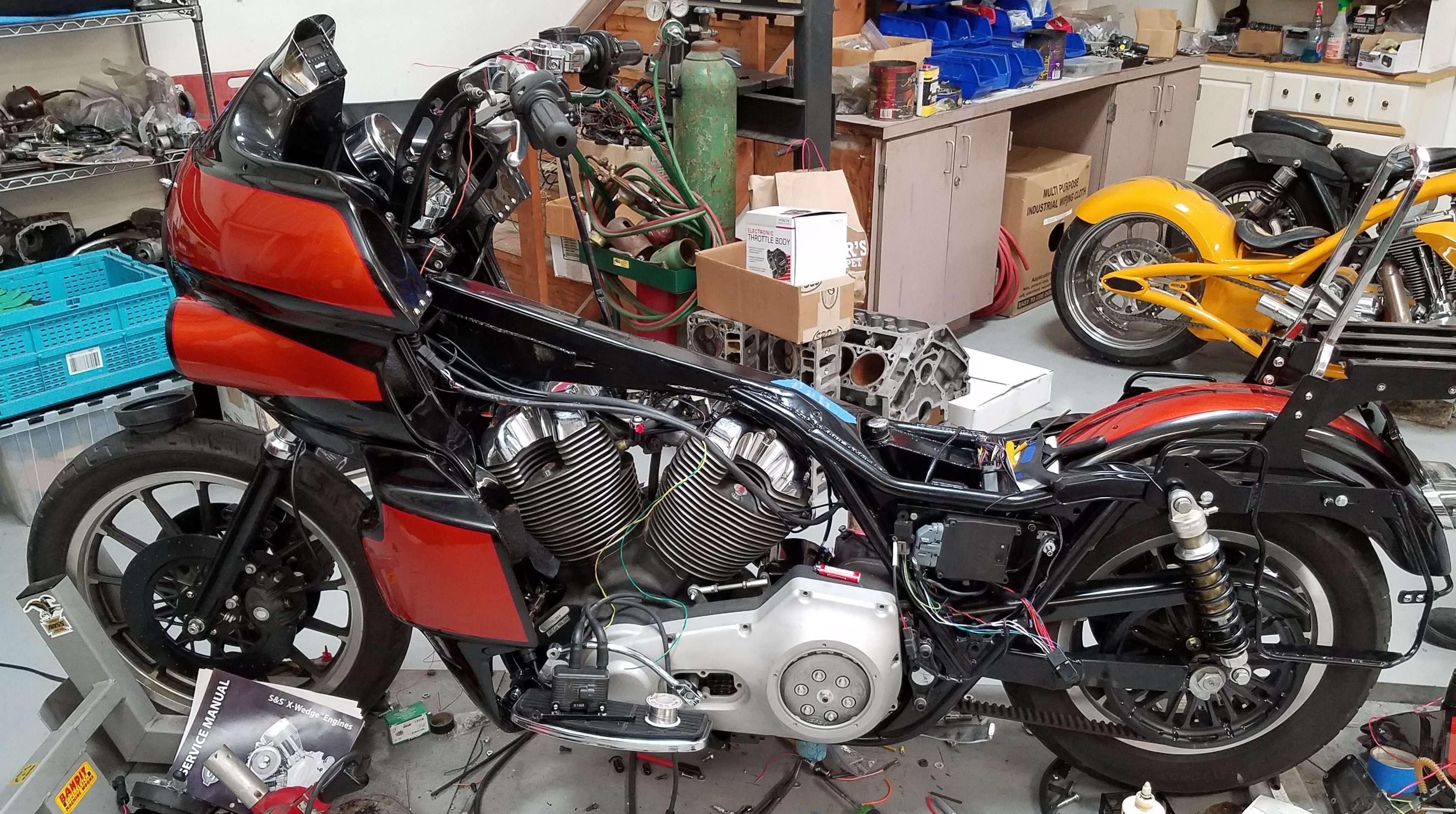 91 Harley Davidson FXR S & S X-Wedge Engine Installation